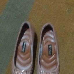 Título do anúncio: 02 sapatos femininos tam. 38 R$30