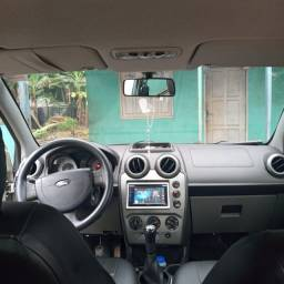 Vende-se carro fiesta sedan 2010 dudo em dias duti em Branco! 17mil