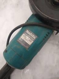 Título do anúncio: Esmerilhadeira Angular de 7 Pol. 2.200 W - Makita-GA7020