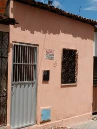 Título do anúncio: Alugo casa no Quintino Cunha