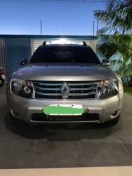 Vendo  Renault Duster  1.6 manual  ano  13/13 conservado .tel *  *