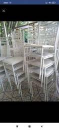 Cadeiras de ferro empilháveis