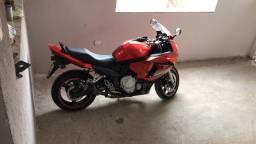 Título do anúncio: Vendo gsx 650F 2011