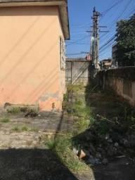 Terreno com uma modesta casa na Clarimundo de melo perto da faculdade são judas Tadeu