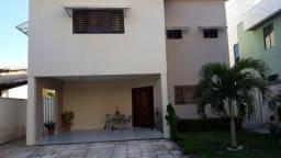 Casa no Green Clube I , 3 Suítes por R$ 525.000,00 - Parnamirim