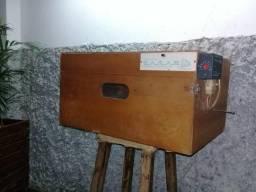 Chocadeira Eletrônica ZAGAS/ 60 Ovos/ semi-automática