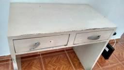 Escrivaninha de madeira pura