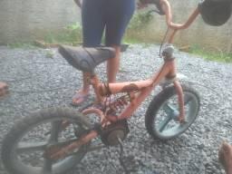 Vendo bicicletas uma nova e outra para reforma por um só preço vendo urgente