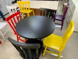 Mesa 0.80 com 4 cadeiras
