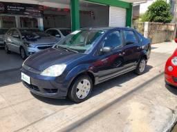 Fiesta Sedan 1.6 Flex 2005 (R$: 2.900,00 + 48 x 398,00) - 2005