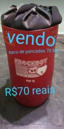 Vendo saco de pancadas de 70kg por R$70 reais