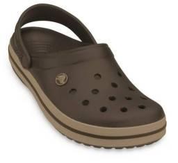Crocs marrom nova 42