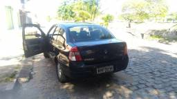 Vendo Clio Sedã completo (ou troco por carro hacth) - 2001