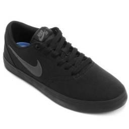 Tenis Nike SB preto novo