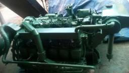 Vendo um volvo 450 motor novo top marenijado