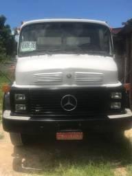 Caminhão Mercedes-Benz 1313 toco
