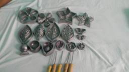 Frisadores em aluminio flores em e.v.a