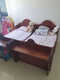 Vendo cama infantil de madeira maciça