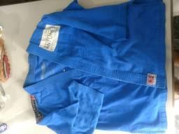 Kimono azul, tamanho 10 anos