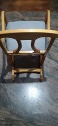 Título do anúncio: Cadeira De Balanço De Madeira Estofado Novo. Bem Confortável