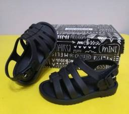 Título do anúncio: Vendo sandália melissa n19 original
