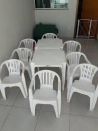 2 Mesas 8 Cadeiras de Plastico Para Area Lazer Externa