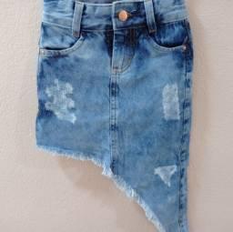 Título do anúncio: Saia jeans 4 anos (nunca usada)