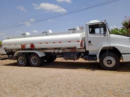 Título do anúncio: Mercedes caminhão tanque ano 2001