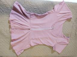 Blusa com detalhe sanfonada( Nova )