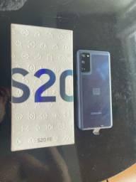 Título do anúncio: Samsung Galaxy S20 fe 128GB Snapdragon (aceito troca) cartão 12x