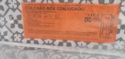 Vendo Cama Box D28 Novinha