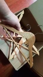 Título do anúncio: Cabide infantil de madeira (Luxo) 30un por R$170,00
