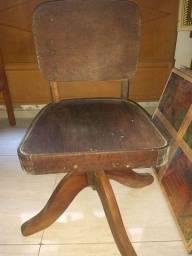 Cadeira sherif antiga