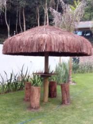 Quiósques de palha e telha piaçava e sapê madeira