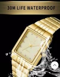 Título do anúncio: Vendo relógio analógico aprova d'água dourado novo,de aço inoxidável.