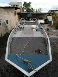 Título do anúncio: Vendo barco Semi chato completo
