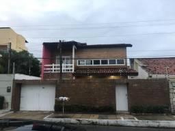 Vendo excelente casa, próximo ao Parque Shopping - Diego Feijó