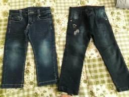 Duas calças jeans tamanho 2 e 3
