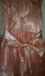 Vendendo ou preso a negociar um vestindo de daninha