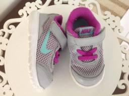 Tênis Nike infantil - tamanho 19- usado