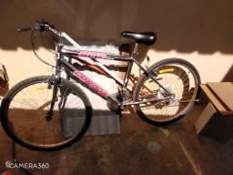 Bicicleta bom vendo ou troco com Telefone aceito propoista