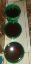 Vendo óleo pra fazer sabão vinte cinco litros cada balde