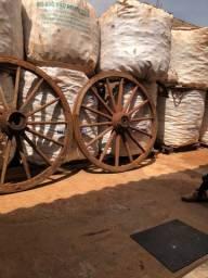 Roda antiga de carroção