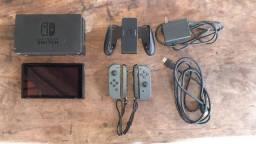 Nintendo Switch + todos os acessórios + 10 jogos (Preço negociável)