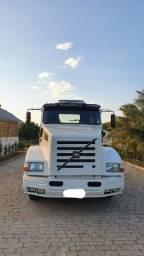 Título do anúncio: Caminhão cavalo carreta Volvo NL 10