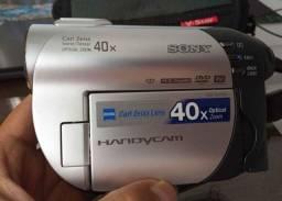 Filmadora handycam Sony<br>Modelo DVR-DVD108<br>Até 12x sem juros nos cartões<br>Como nova!