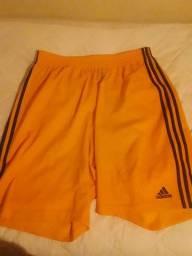 Título do anúncio: Bermuda Plus Size Adidas 60cm cintura