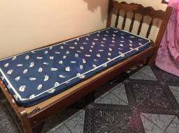 Cama de solteiro macacaúba