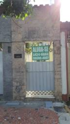 Título do anúncio: Aluga-se casa de fundos 2 quartos, em Realengo