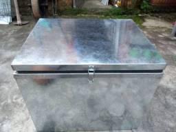 Caixa térmica em aço